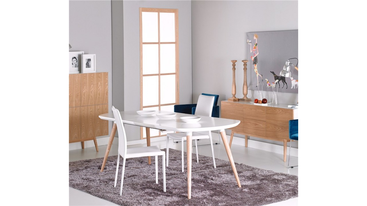 Table a manger blanc maison design for Table a manger laque blanc pas cher