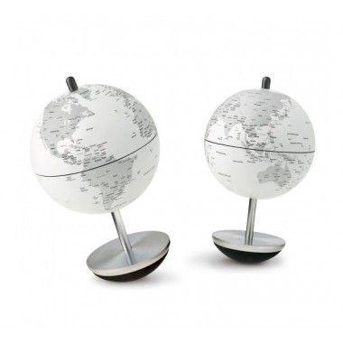 Petit globe terrestre basculant design