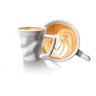 Tasse à cappuccino froissée en céramique